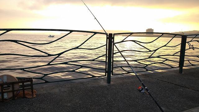 横須賀海辺釣り公園の朝