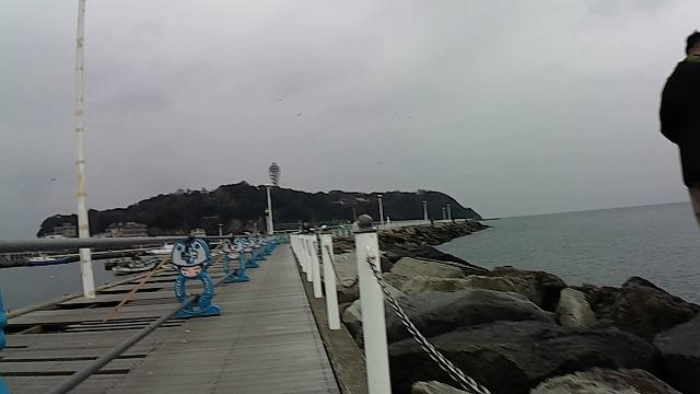 片瀬漁港白灯台途中