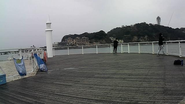 片瀬漁港白灯台の混雑状況です