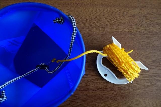 水汲みバケツ+ロープ用ホルダー+コブの写真