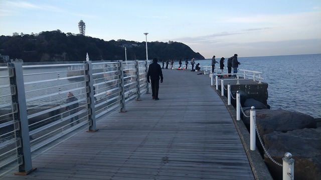 片瀬漁港の混雑状況2021年3月4日am7時ころの写真