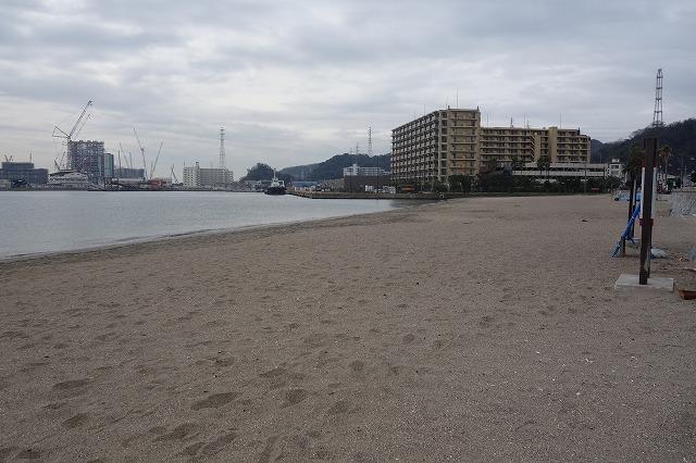 久里浜港の砂浜