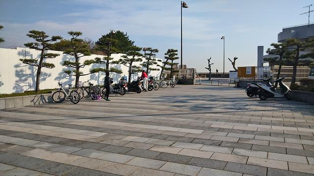 横須賀海辺釣り公園の混雑状況(自転車置き場)