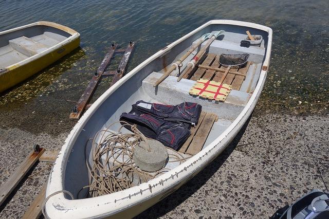 まるまつ丸の手漕ぎボート写真