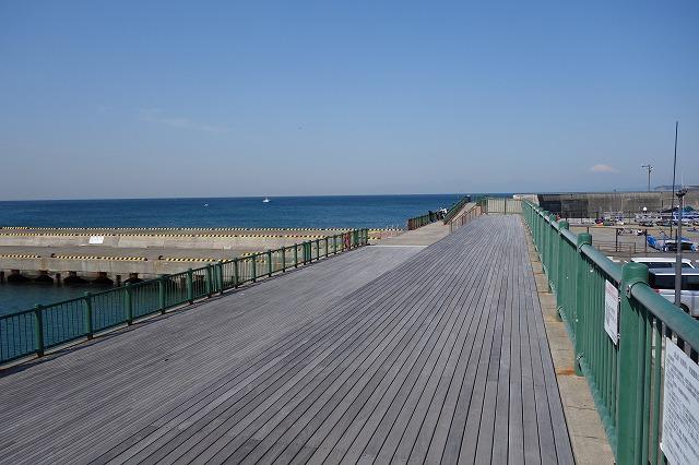 防波護岸入口より入り右側の写真