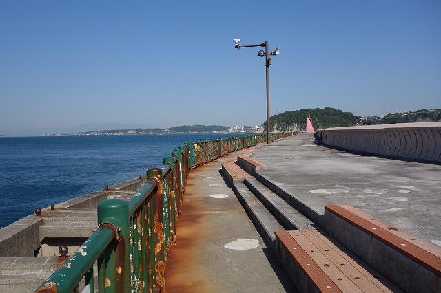 防波堤A入口より入り先端方向の様子2