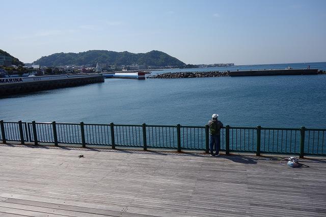 防波護岸入口より入り正面の写真