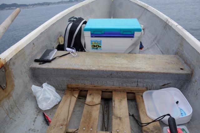 手漕ぎボート荷物レイアウトの例(船首)