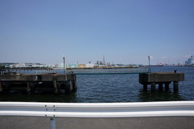 根岸港、千代田冷蔵前の釣り場写真