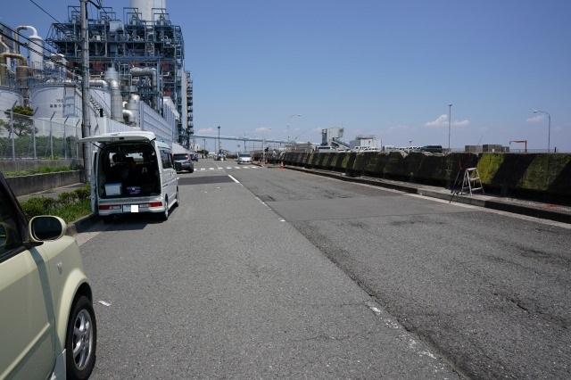 根岸港、磯子海づり施設手前の写真