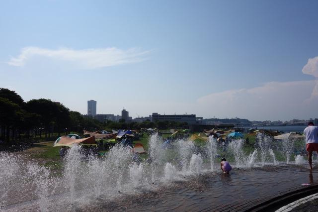 うみかぜ公園の噴水の写真